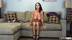 Brunette MILF Ava Addams has a nice body and likes to show it off