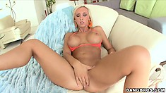 Jessica Lynn has a way with her feet after he licks her boony holes