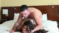 Bodacious brunette cougar in heat begs to be drilled rough on the bed