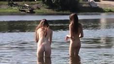Nudist beach brings the hottest out of 2 torrid teens