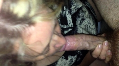 Amateur mature woman giving a handjob